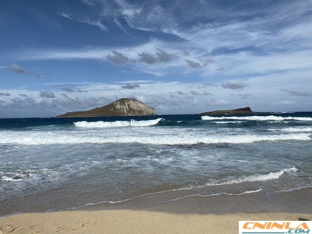 Makapuu_tide_pool_1_640x480