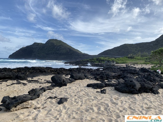 Makapuu_tide_pool_2_640x480
