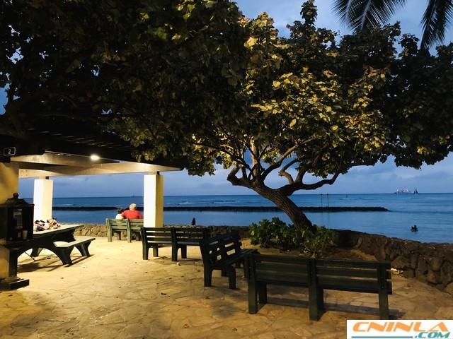 Waikiki_Beach_3_640x480