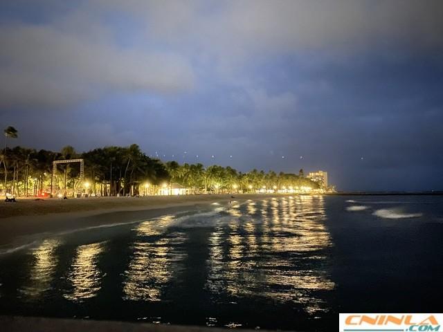 Waikiki_Beach_7_640x480